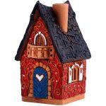 Maison rouge avec boîte